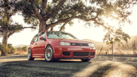 Tornado Red VW R32 MKIV – CCW Classic Wheels